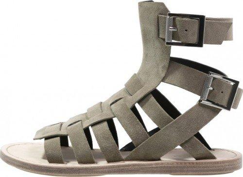 1b1e6c10832 Pierre Balmain Sandaal Heren. Het amerikaanse systeem kent verschillende  schoenmaten voor dames ...